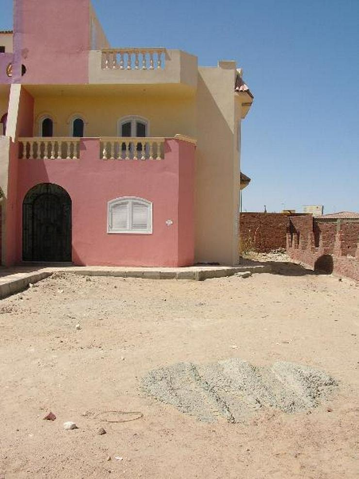 Bild 1: Fertige Villa in Mubarak 6 mit Dachterasse und Gartem