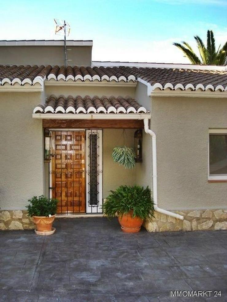 Bild 3: Villa mit wunderschönem Garten und Privatpool