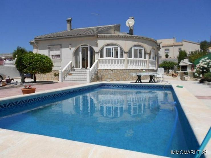 Sehr gepflegte Villa mit Privatpool - Haus kaufen - Bild 1