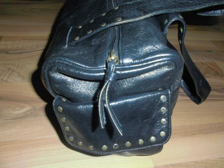 Bild 3: Schwarze Leder Damen Handtasche mit Nieten