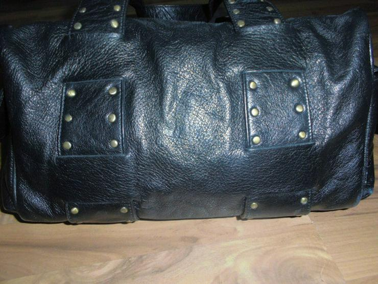 Bild 2: Schwarze Leder Damen Handtasche mit Nieten