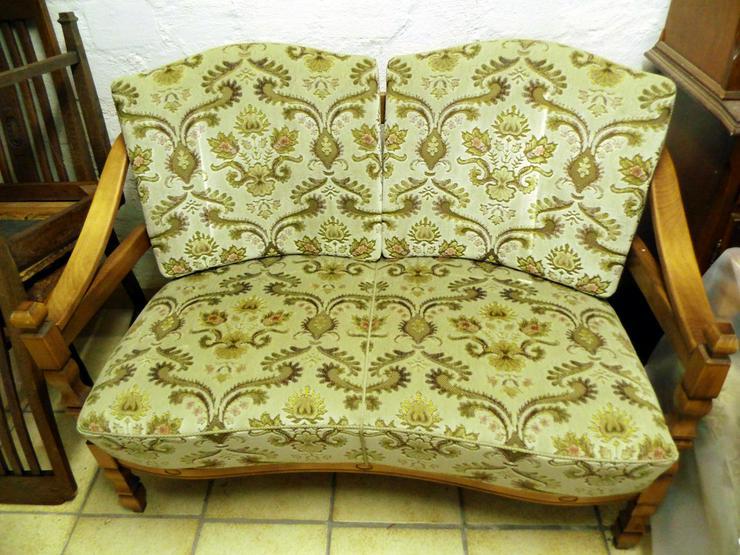 Bild 2: Sitzgarnitur im Landhausstil , Holz/Polster,