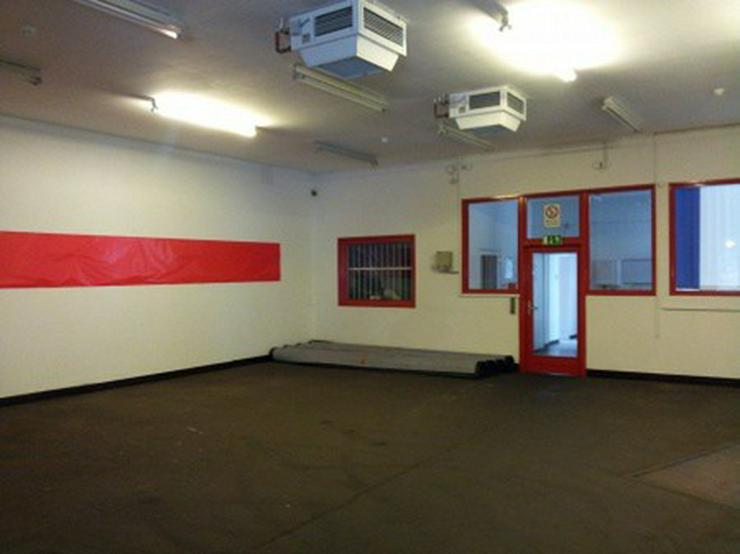 Bild 3: Büro mit Lagerhalle, Gleisanschluß