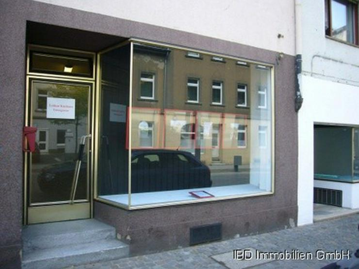 Ladenlokal (ehem. Fotostudio), z.Z. kleine Galerie für ortsansässige Künstler, Nähe Rh...