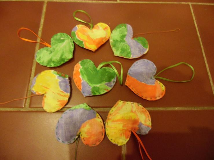 Bild 2: Lavendelherzen, Erlös an Kinderhilfswerk PLAN