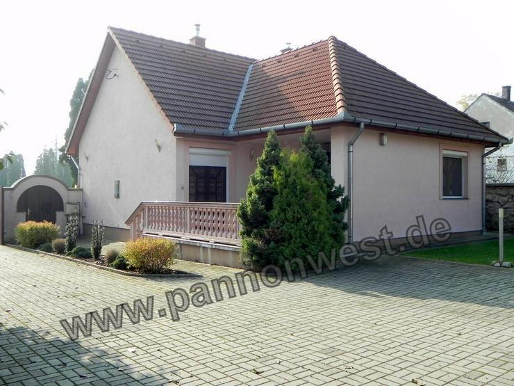 Ein elegantes und modernes Einfamilienhaus in Marcali zum ebenerdigen Wohnen - Haus kaufen - Bild 1