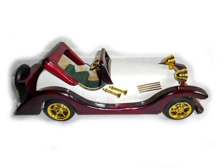 Bild 4: Schönes altes Modellauto