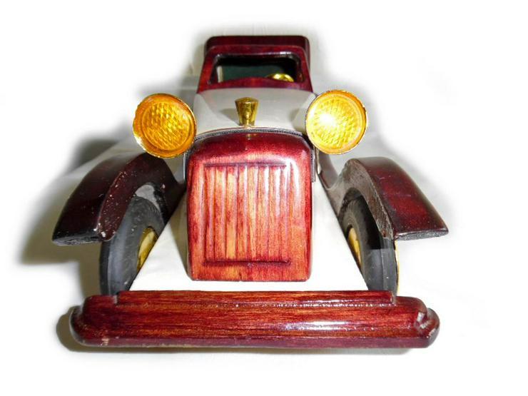 Schönes altes Modellauto - Spielwaren - Bild 1