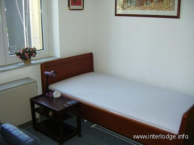 Bild 2: INTERLODGE Zweckmäßig eingerichtetes Gästezimmer in Essen-Altendorf