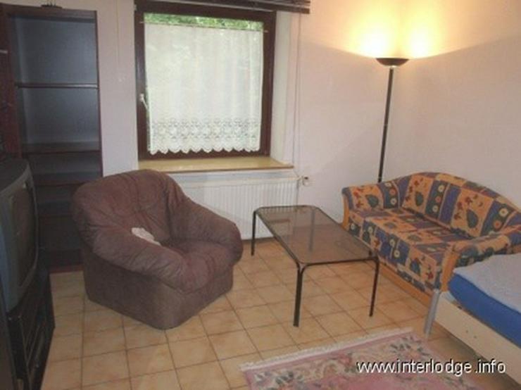 Bild 3: INTERLODGE Vollständig möbliertes Apartment mit separater Küche und Gartennutzung in Es...