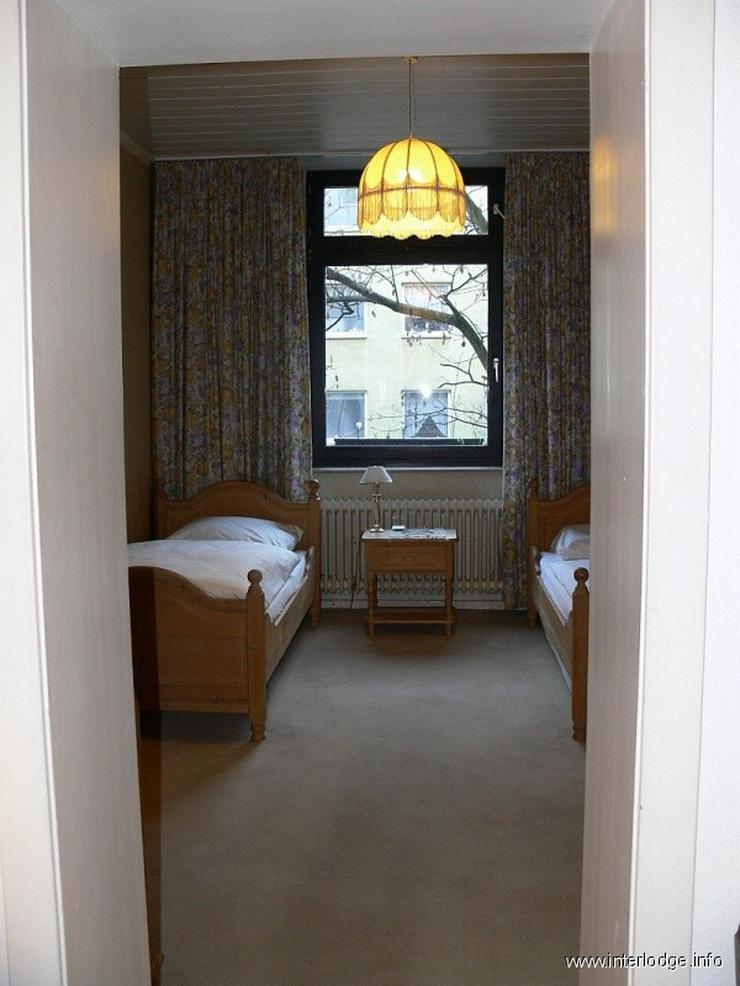 Bild 5: INTERLODGE Wohnung mit hochwertiger, antiker Möblierung in modernem Ambiente in Düsseldo...