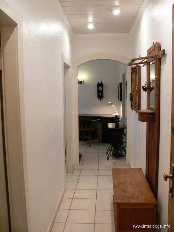 Bild 6: INTERLODGE Wohnung mit hochwertiger, antiker Möblierung in modernem Ambiente in Düsseldo...