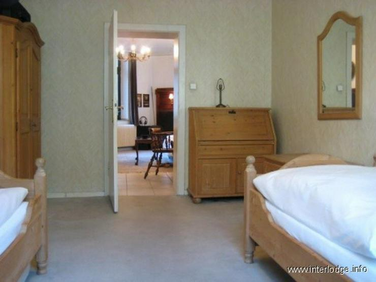 Bild 4: INTERLODGE Wohnung mit hochwertiger, antiker Möblierung in modernem Ambiente in Düsseldo...