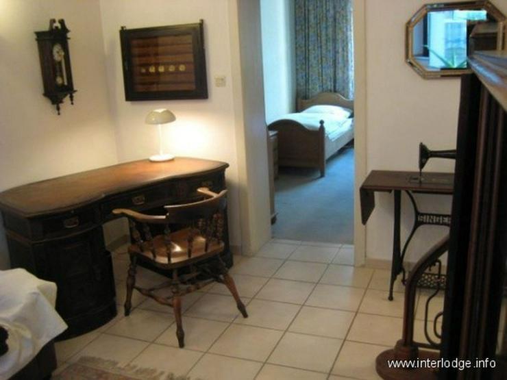 Bild 3: INTERLODGE Wohnung mit hochwertiger, antiker Möblierung in modernem Ambiente in Düsseldo...