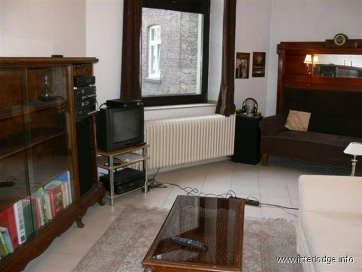 Bild 2: INTERLODGE Wohnung mit hochwertiger, antiker Möblierung in modernem Ambiente in Düsseldo...