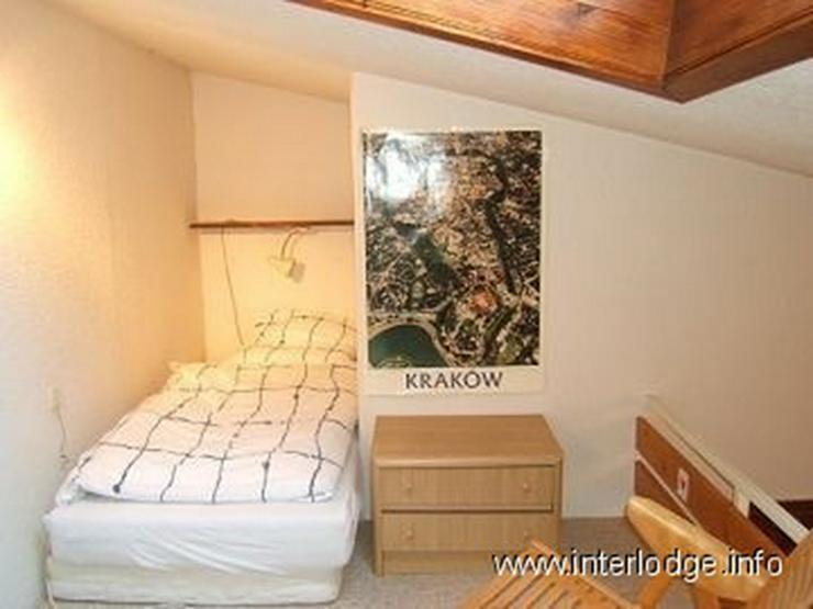 Bild 4: INTERLODGE Modern möbliertes Zimmer mit extra Schlafebene in Bochum-Langendreer