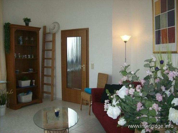 Bild 6: INTERLODGE Stilsicher möblierte Wohnung in Rheinnähe, mit Balkon und Aufzug in Neuss-Gri...