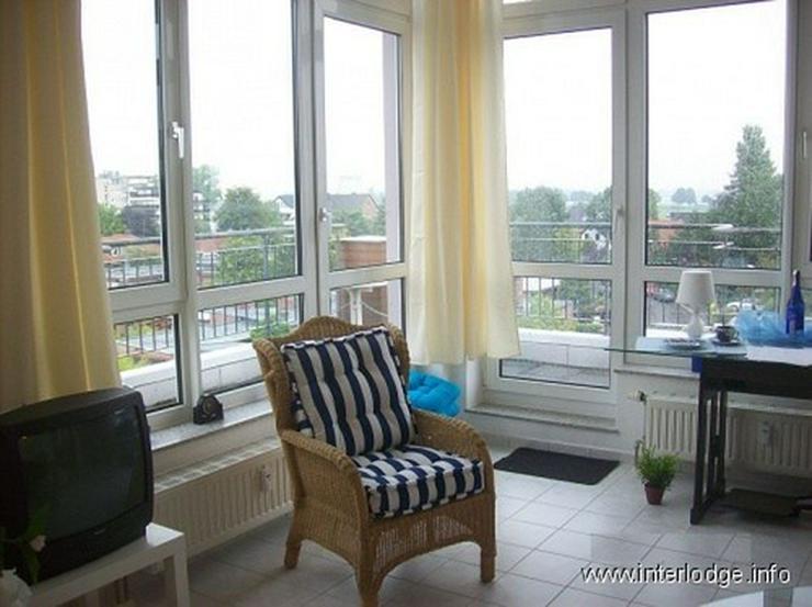 Bild 2: INTERLODGE Stilsicher möblierte Wohnung in Rheinnähe, mit Balkon und Aufzug in Neuss-Gri...