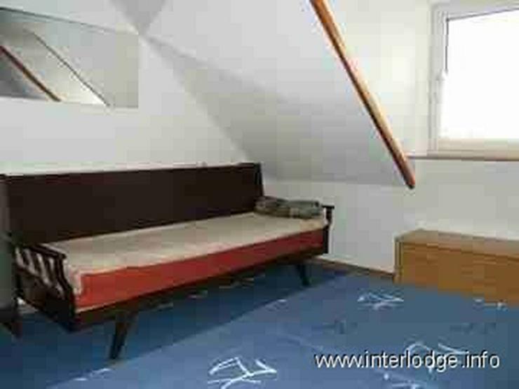 Bild 6: INTERLODGE Möblierte Dachgeschosswohnung mit moderner, gemütlicher Ausstattung in Essen-...