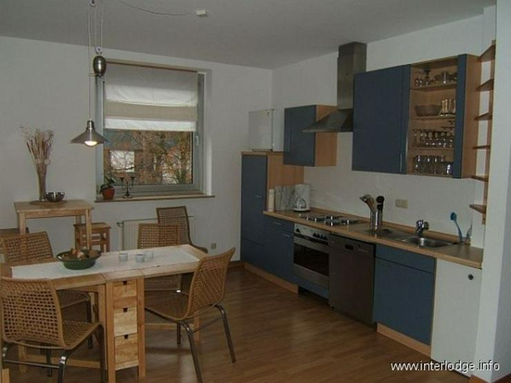 Bild 4: INTERLODGE Modern möblierte Nichtraucherwohnung mit zwei Schlafzimmern und Kamin in Essen...