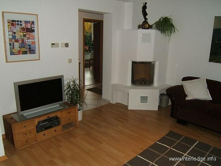 Bild 2: INTERLODGE Modern möblierte Nichtraucherwohnung mit zwei Schlafzimmern und Kamin in Essen...