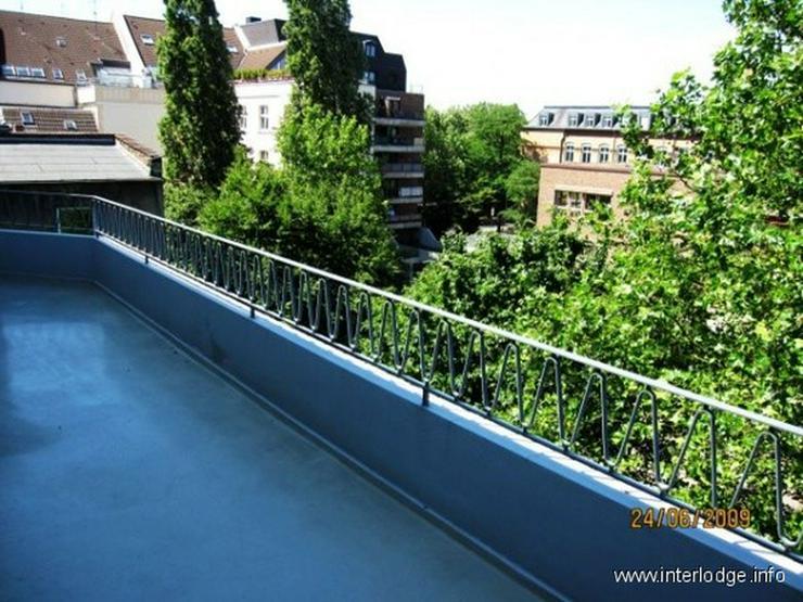 Bild 5: INTERLODGE Attraktiv möblierte Wohnung mit Lift, Balkon und 2 Schlafzimmern in Düsseldor...