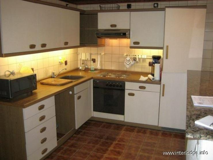 Bild 4: INTERLODGE Modern möbliertes Apartment mit Stellplatz, Gartennutzung und Pool in Neuss-No...
