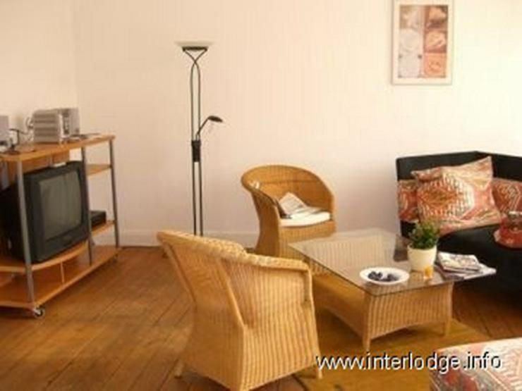 Bild 2: INTERLODGE Möblierte Komfortwohnung in saniertem Altbau mit Balkon und Garage in Köln-Ni...
