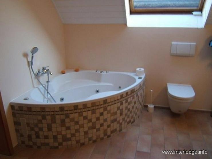 Bild 6: INTERLODGE: Möbliertes Haus mit Gartennutzung, Terrasse, Sauna und kleinem Weinkeller in ...