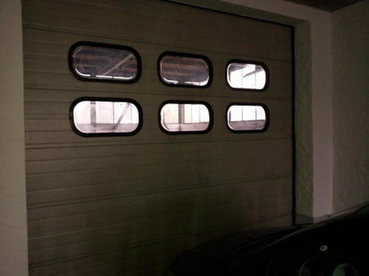 Bild 6: Halle mit Rolltor zum Arbeiten, freitragend