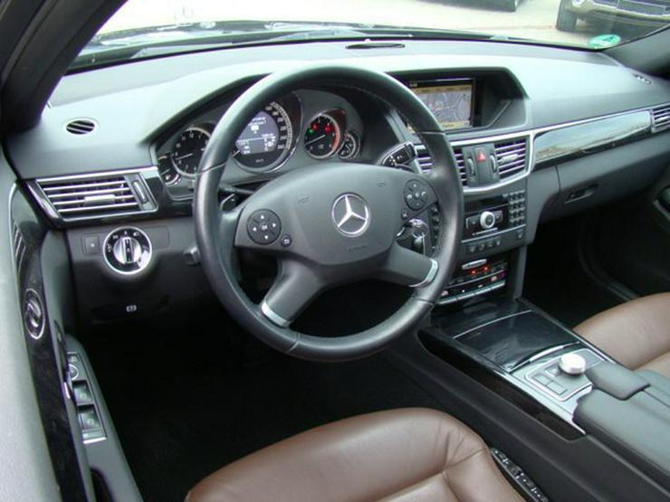 Bild 5: MERCEDES-BENZ E 350 CDI 4Matic Aut. Avantg. eSD Sthzg Panorama