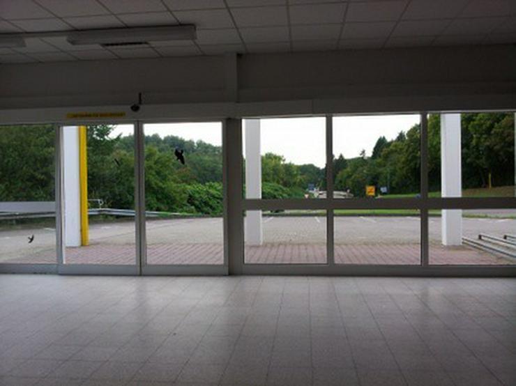 Bild 5: Verkaufshalle im Top Zustand