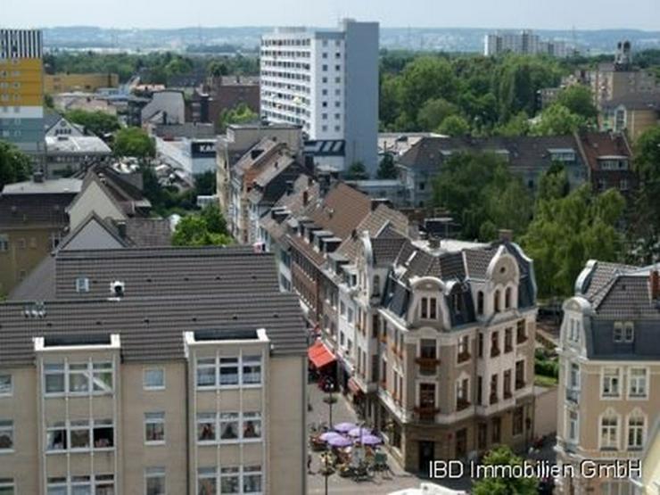 Bild 2: WENN NICHT JETZT, WANN DANN ? Barrierefreies LADENLOKAL gegenüber vom Rheinpark