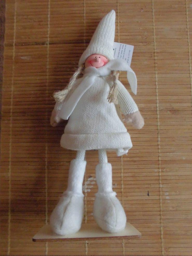 Neuwertige Süße Deko Figur in hellem Strick.