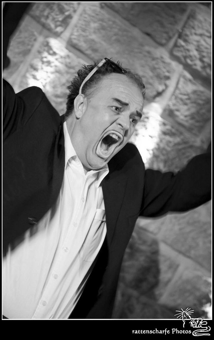 Bild 2: Vorsicht der Verrückte Kellner kommt!