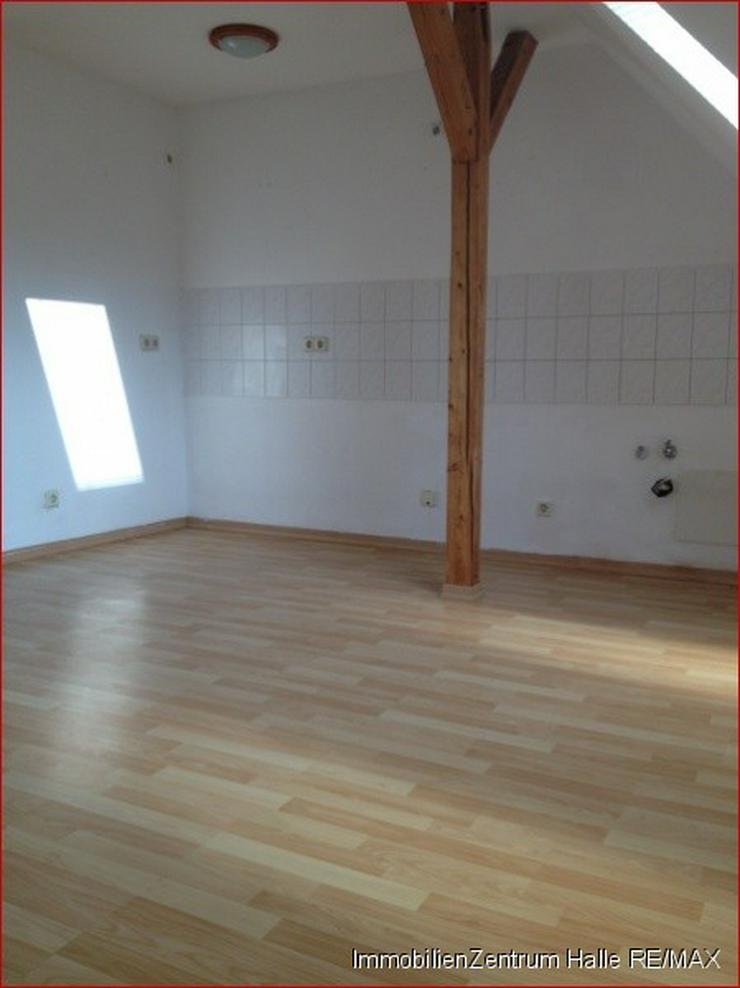 Bild 3: Süße 2,5-Raum Dachgeschoss-Wohnung in der Südstadt !!!
