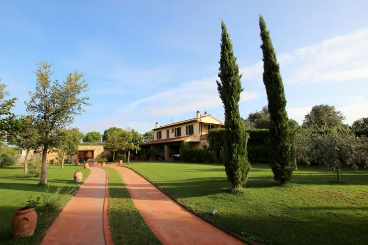 Bild 2: Traditionelle Villa in Italien