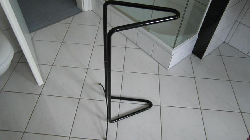 bilder zu bad handtuchhalter stangen schwarz standmodell in k ln junkersdorf nordrhein. Black Bedroom Furniture Sets. Home Design Ideas