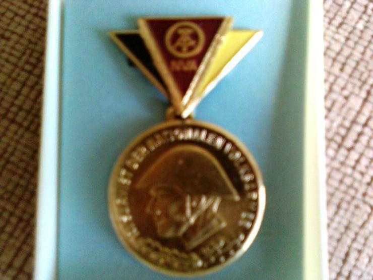 Reservisten Medaille  in Gold ( NVA )