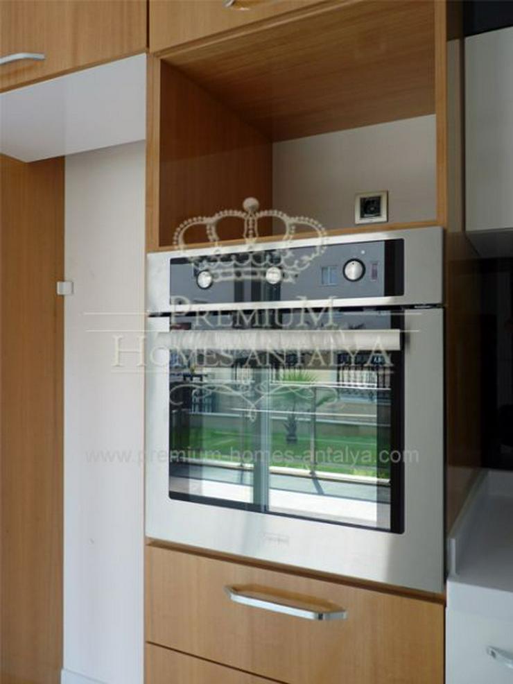 Bild 5: Designer Maisonette-Penthouse mit stilvollen Details in Meernähe