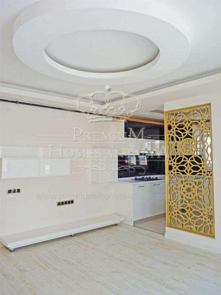 Designer Maisonette-Penthouse mit stilvollen Details in Meernähe