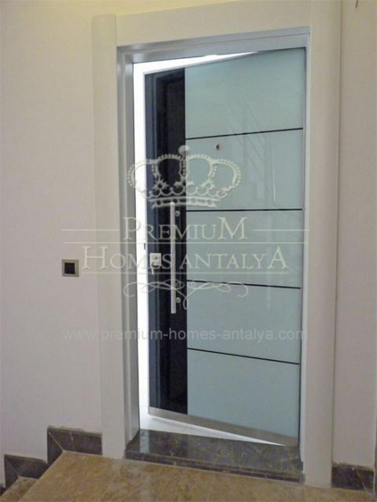 Bild 2: Designer Maisonette-Penthouse mit stilvollen Details in Meernähe