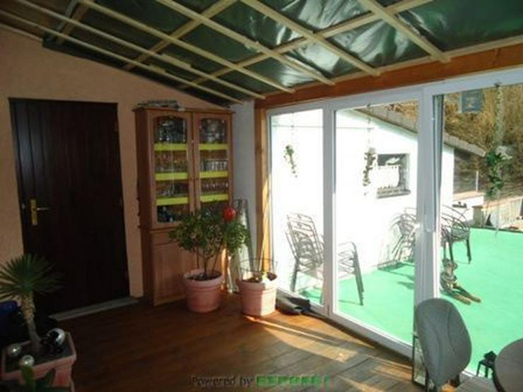 Bild 4: Chickes Einfamilienhaus (Reiheneckhaus) mit Garage und Wintergarten