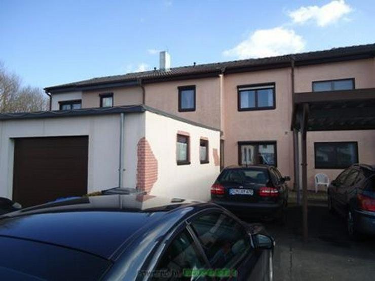 Bild 2: Chickes Einfamilienhaus (Reiheneckhaus) mit Garage und Wintergarten