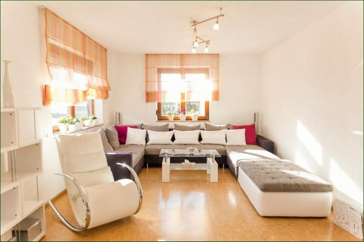 Stilvoll saniertes 3-Familien-Haus mit  Einliegerwohnung in exponierter Lage von Herrenber... - Haus kaufen - Bild 1