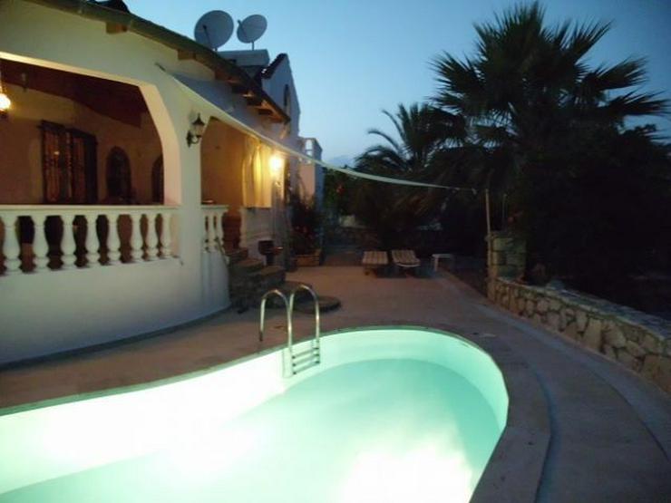 Traumhafte Villa mit Pool, eine Juwele im Paradies ! - Bild 1
