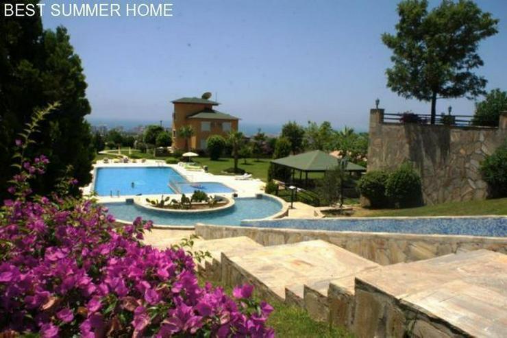 Bild 2: 3 stöckige Villa mit Privatpool und großem Garten