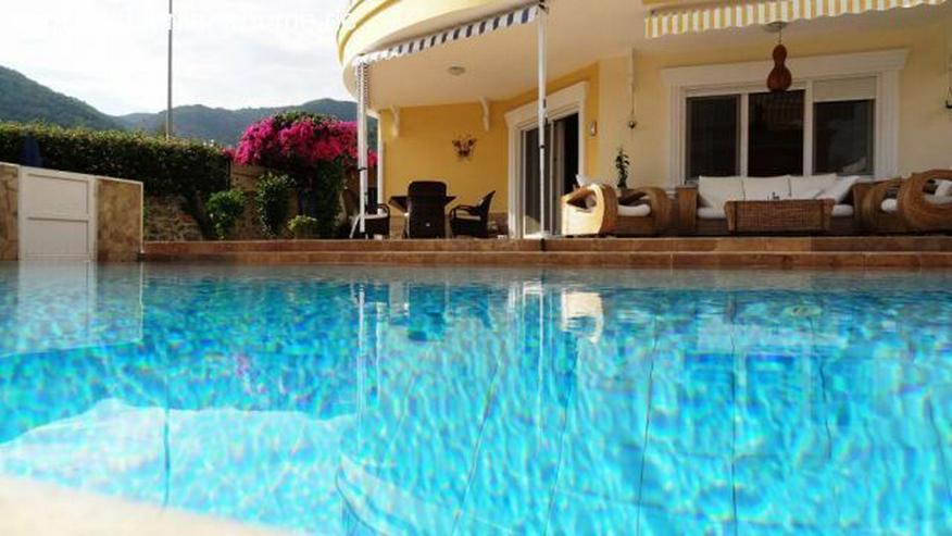 Gepflegte Villa mit privatem Pool in Oba.