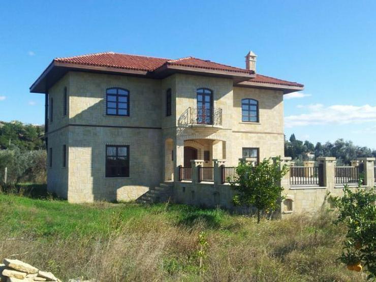 Bild 5: Domizil zum wohlfühlen mit 10.000 m² Grundstück - Prachtvolle Steinvilla -Luxus Pur