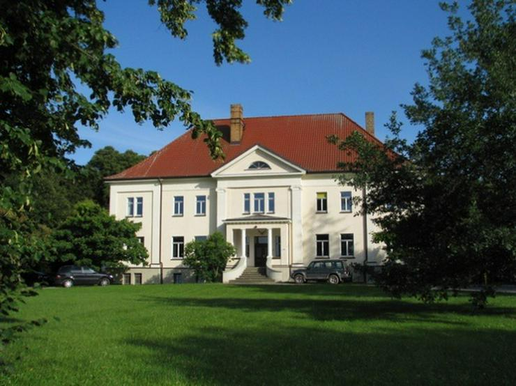 Herrschaftliches Wohnen im Gutshaus vor den Toren Rostocks (7 hochwertig ausgestattete Apa...